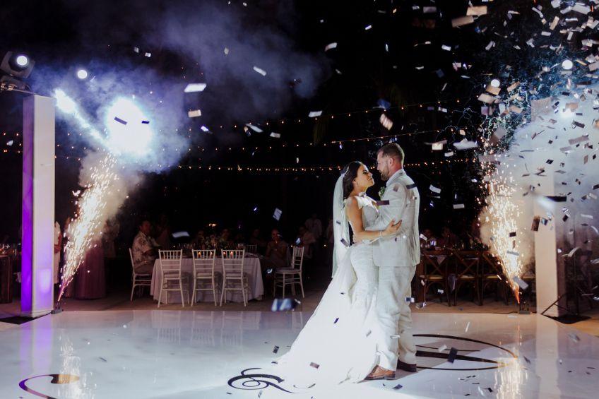 آیا رفتن به کلاس رقص برای جشن عروسی ضروری است؟