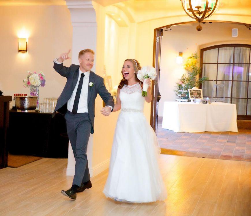 لحظه ورود عروس و داماد به مراسم ؛ اون هیجان در شب عروسی